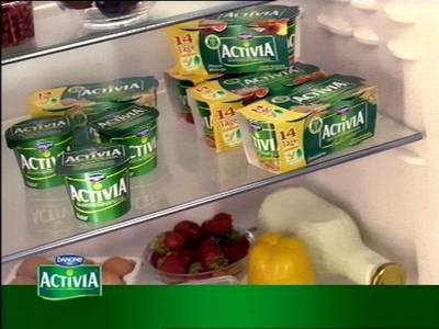 Ein Kühlschrank voller Activia