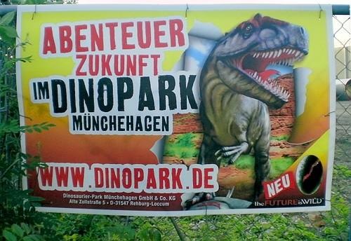 Abenteuer Zukunft - Im Dinopark Münchehagen - Dinosaurier-Park Münchehagen GmbH & Co. KG, Alte Zollstraße 5, DD-31547 Rehburg-Loccum - Neu - The Future is WILD