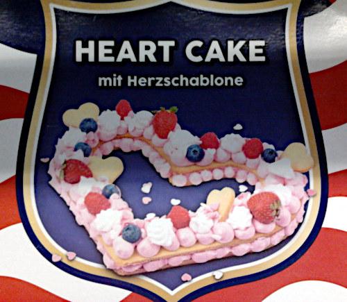 Verpackung mit Aufdruck: Heart Cake mit Herzschablone