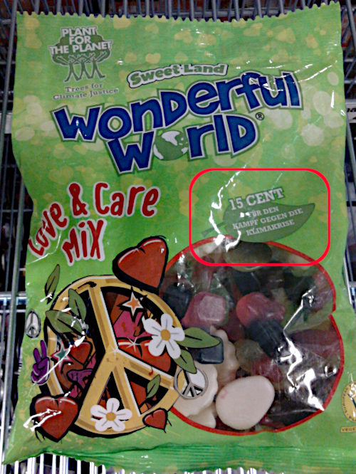 Fruchtgummi-Junkfood in Plastikverpackung. Sweet Land Wonderful World -- Plant for the Planet -- Love & Care Mix -- 15 Cent für den Kampf gegen die Klimakrise