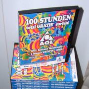 Foto eines Stapels AOL-CDs